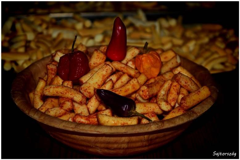 Chilis borsos sajtkukac